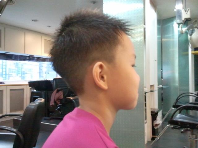 > 分享园地 >  会员作品 凯琳发型 会员作品 不分类 > 小男生4图片